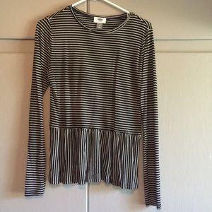 Old Navy flutter bottom shirt